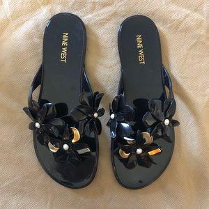 Nine West Black Flip Flops size 8.5M